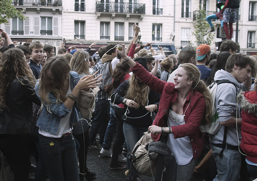 An image from last spring, during the annual Techno Parade, because Paris's energy feels a bit like this at the moment, with the ready-for-action energy of post-vacances.