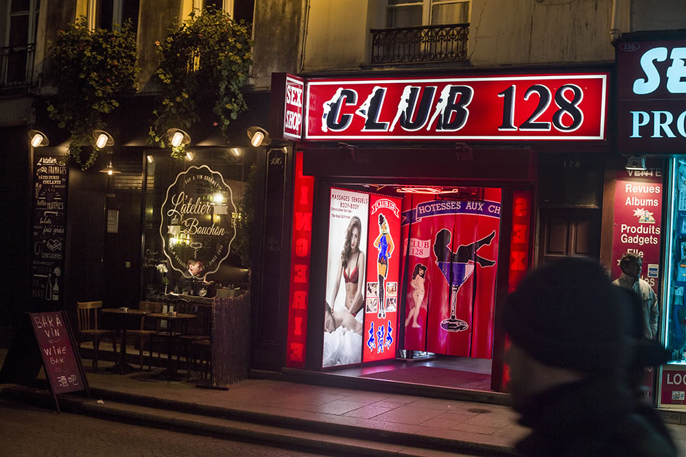 Club 128 has always caught my eye, as number 128 is my childhood address. It's on rue St. Denis, which to anyone in Paris means sex clubs, prostitutes and whole-sale clothing stores, and soon perhaps wine bars. I don't want rue St. Denis to change, though I did go into that wine bar. Their heat wasn't working. Club 128 would have been warmer.